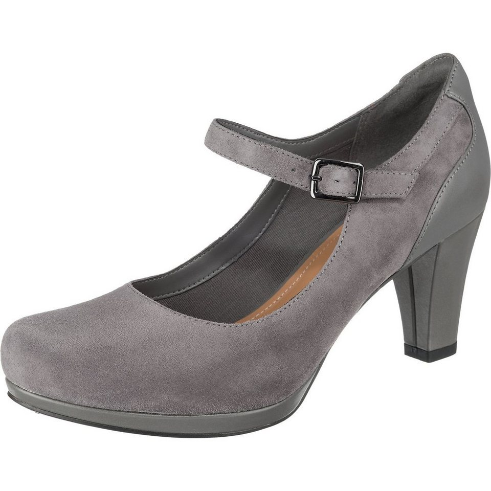 Clarks Chorus Halo Pumps in taupe