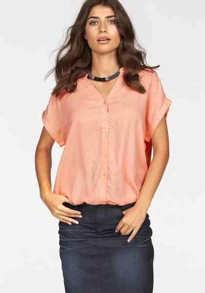 Boysen's Shirtbluse, in weiter Form mit überschnittenen Schultern