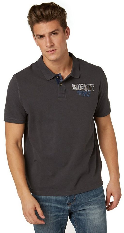 TOM TAILOR Poloshirt »modisches Poloshirt mit Applikation« in tarmac grey