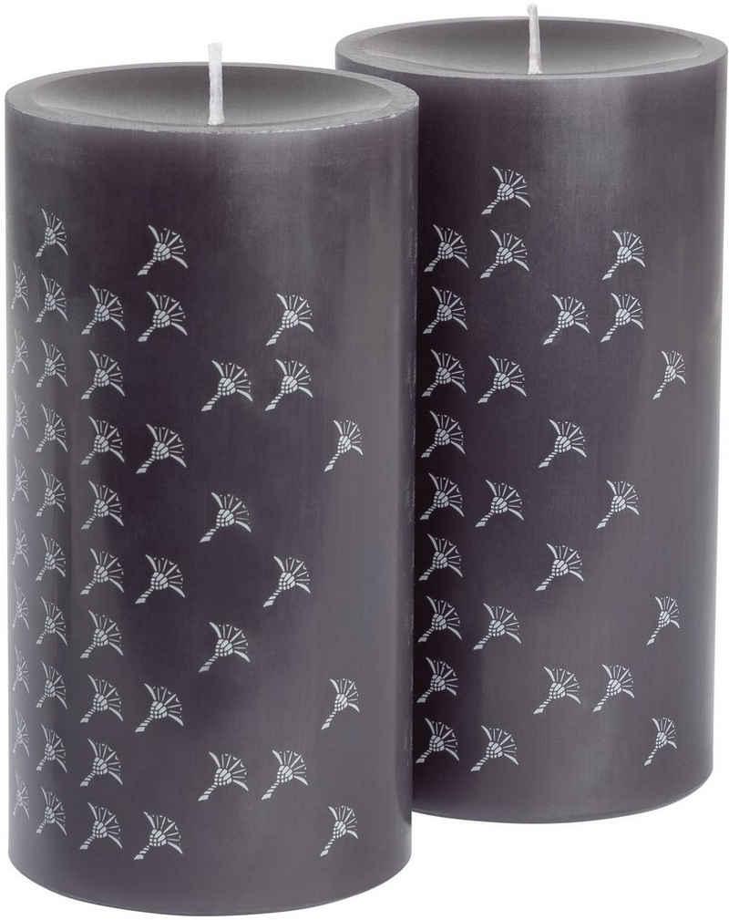 Joop! Stumpenkerze »FADED CORNFLOWER« (Set, 2-tlg), Stumpenkerze mit elegantem Kornblumen-Verlauf und langlebiger Brenndauer