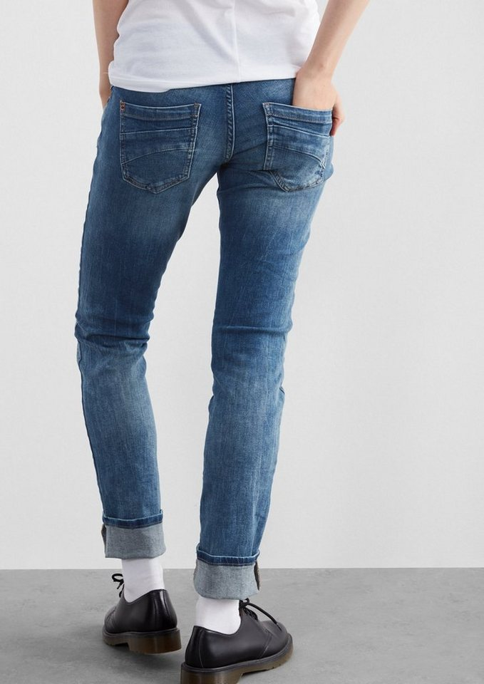 Q/S designed by Slim: Destroyed Jeans in blue denim, heavy st