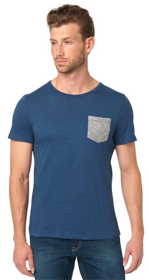 TOM TAILOR T-Shirt »T-Shirt mit Tasche und Badge« in dark denim blue
