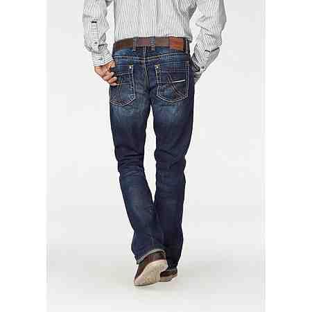 Starke Marken für starke Männer- tolle Farben und angesagte Schnitte für jeden Stil. Entdecken Sie jetzt unsere Auswahl an Jeans!