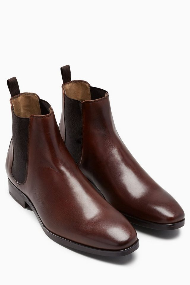 Next Stiefelette in Brown