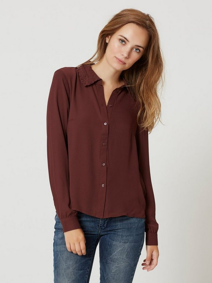 Vero Moda Spitzen- Langarmhemd in Decadent Chocolate