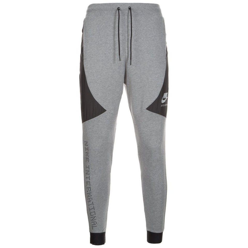 Nike Sportswear International Trainingshose Herren in grau / schwarz
