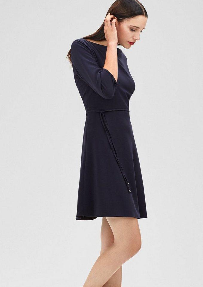 s.Oliver BLACK LABEL Stretchiges Kleid mit Gürtel in midnight blue