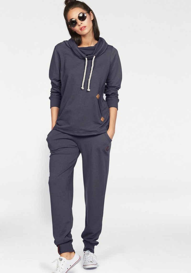 Ocean Sportswear Jogginganzug »Essentials Joggingsuit« (Set, 2-tlg), mit Lederimitat-Details