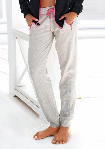 Banc. Pantalon Relax Avec Des Détails Contrastés