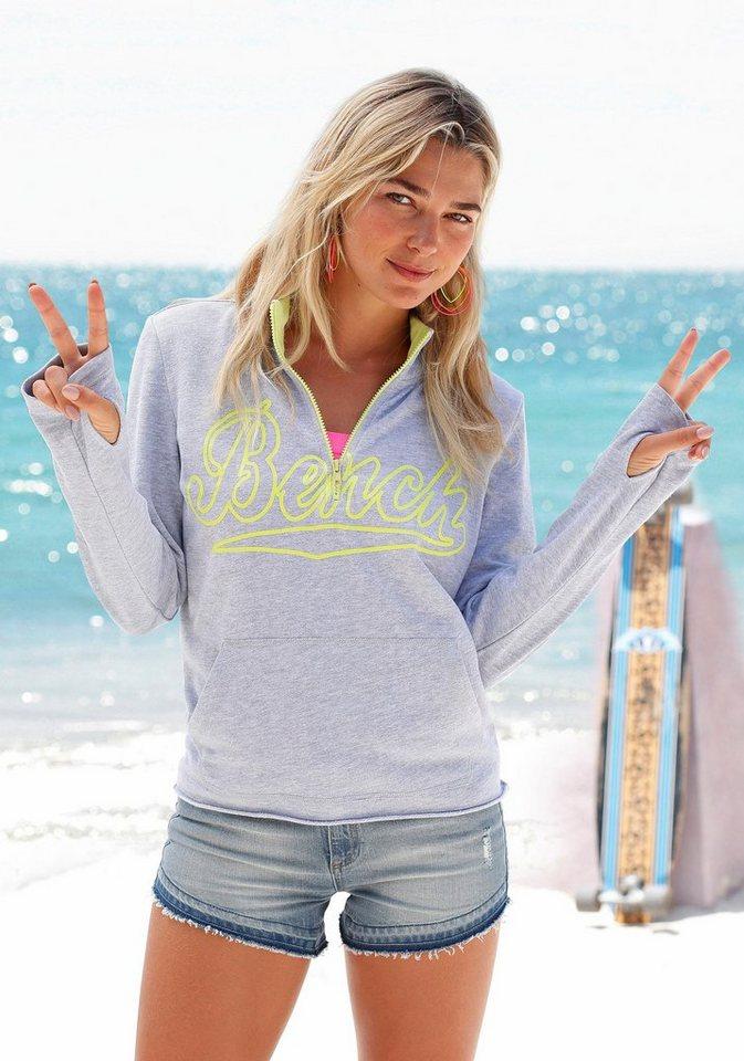 Bench Sweatshirt mit Logodruck in grau melange
