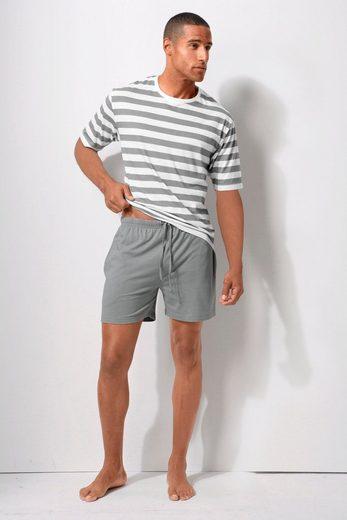 Shorty, mit Streifenshirt