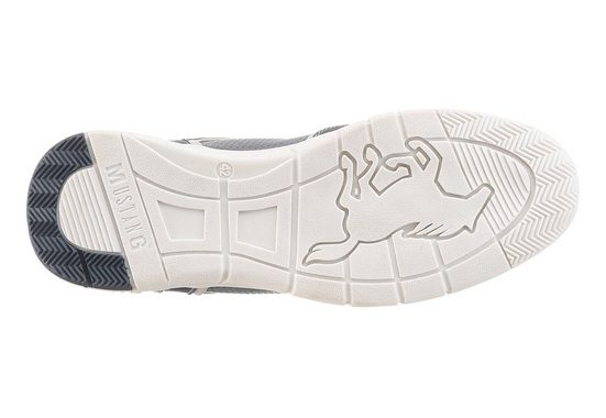 Mustang Shoes Sneaker, mit feiner Strukturierung