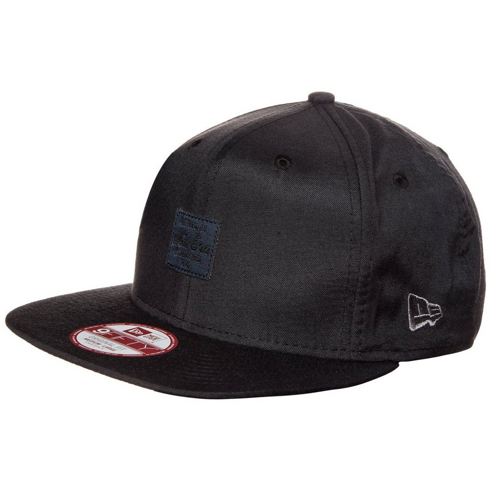 New Era 9FIFTY Oxford Patch New Era Snapback Cap in schwarz / dunkelblau