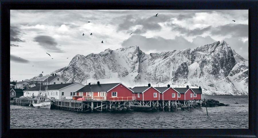 Premium Picture Schattenfugenbild »Holzhäuser vor Bergen«, 100/50 cm in weiß/grau/rot