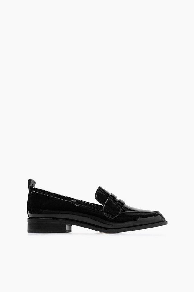 ESPRIT CASUAL Lack Fashion Loafer in BLACK
