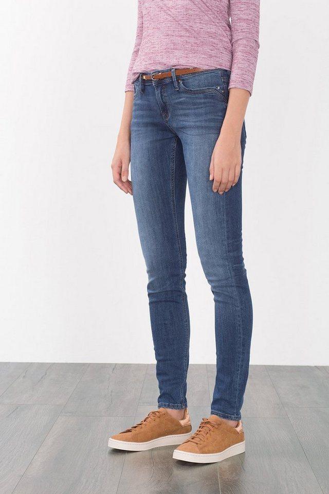 EDC Figurformende Jeans mit Gürtel in BLUE DARK WASHED