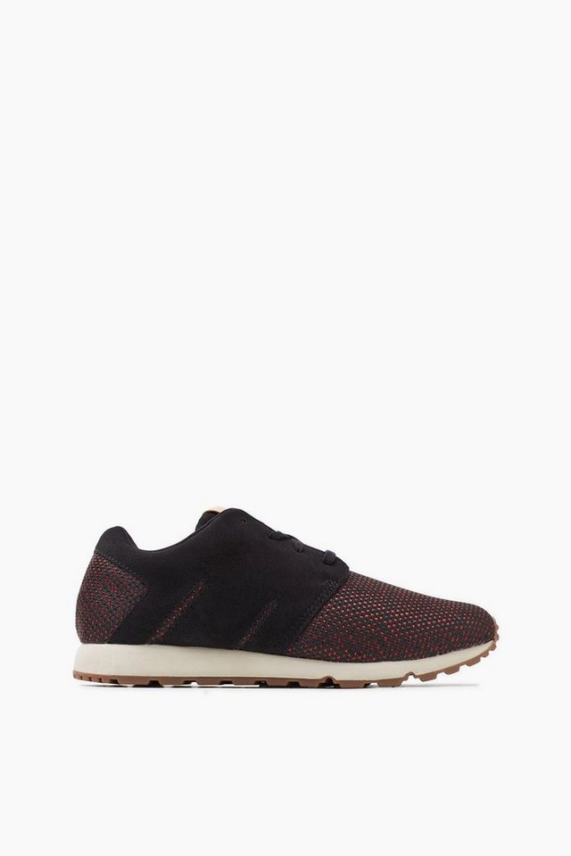 ESPRIT CASUAL Leichter Trend-Sneaker mit Kontrastsohle in DARK RED
