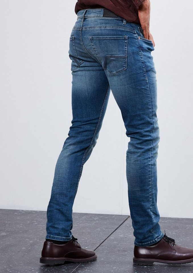 Q/S designed by Rick Slim: Bluejeans mit Stretch in azur