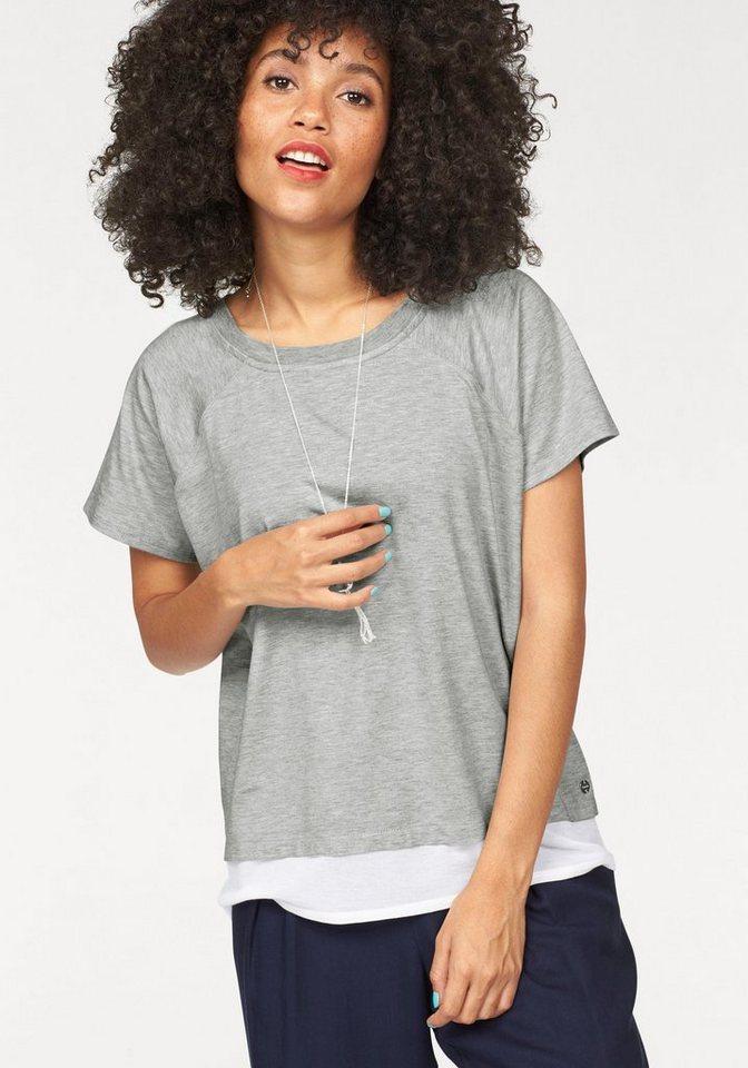 Bench T-Shirt in 2-in-1-Optik in grau-meliert-weiß