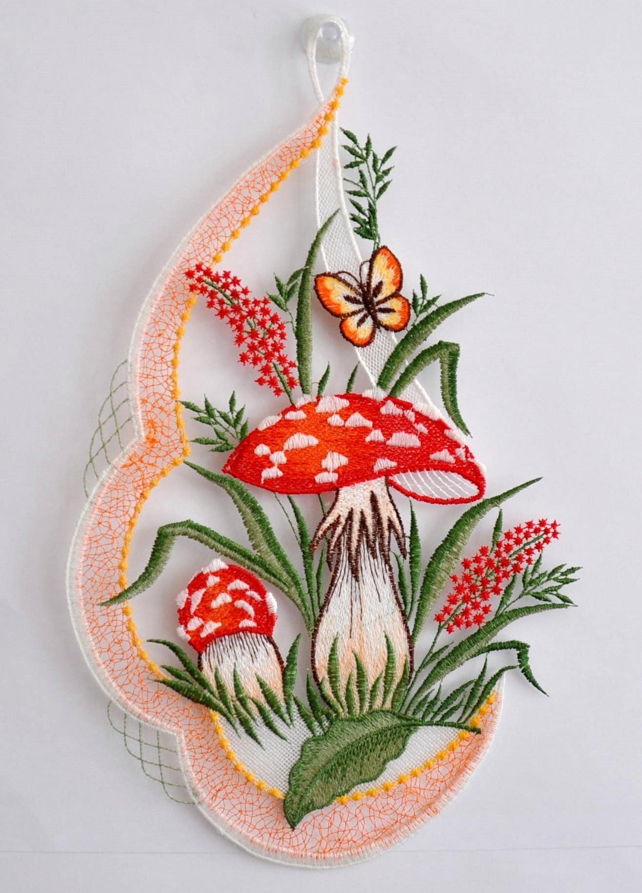 Fensterbild, Stickereien Plauen, » Pilze« mit echter Plauener Spitze Stickerei (1 Stück)
