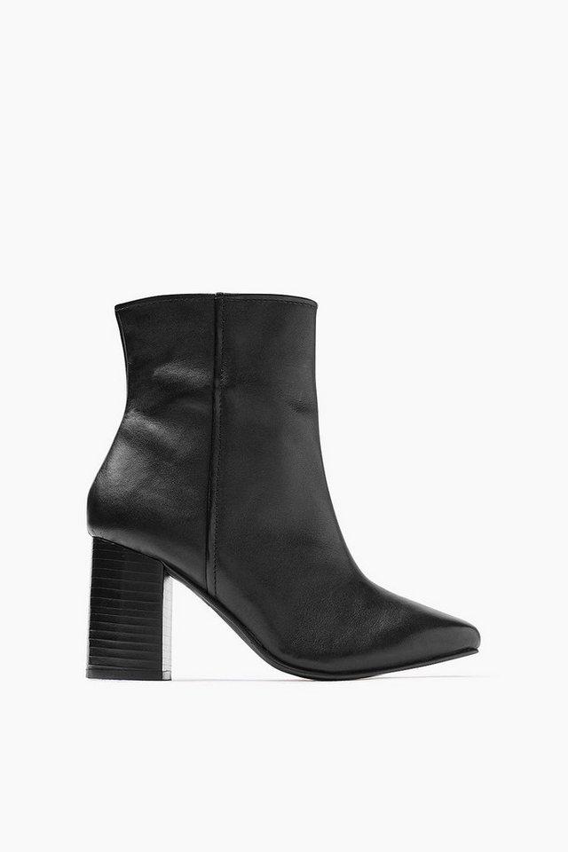 ESPRIT CASUAL Glattleder Fashion Bootie in BLACK