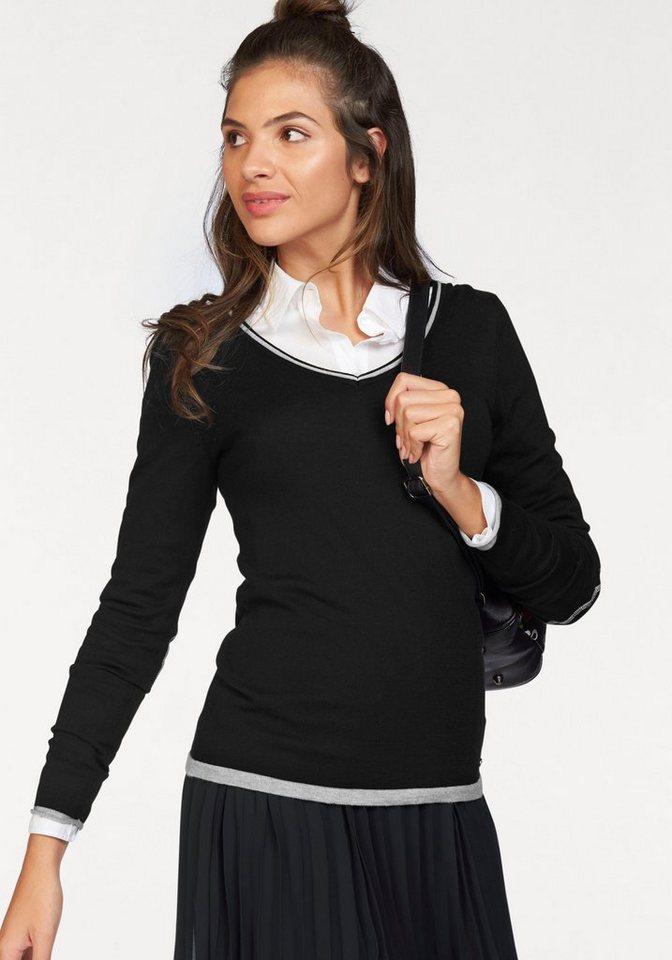 AJC V-Ausschnitt-Pullover aus weicher Strick Ware in schwarz