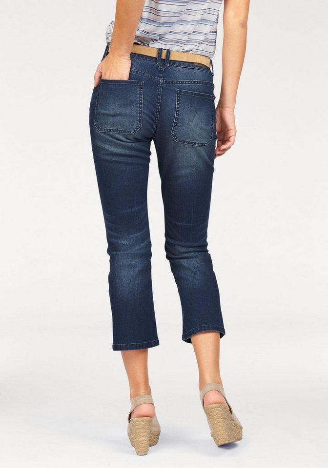 s.Oliver RED LABEL Gerade Jeans in modisch verkürzter Länge in blue-denim