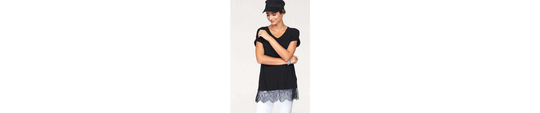 Boysen's Longshirt, mit feiner Spitze am Saum