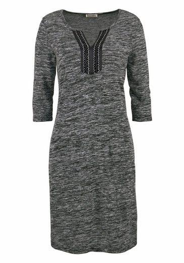 Boysen's Jerseykleid, in Melange-Optik mit aufwendig verziertem Ausschnitt