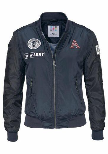 AJC Bomberjacke, mit aufwendigen Badges und Zipper-Details
