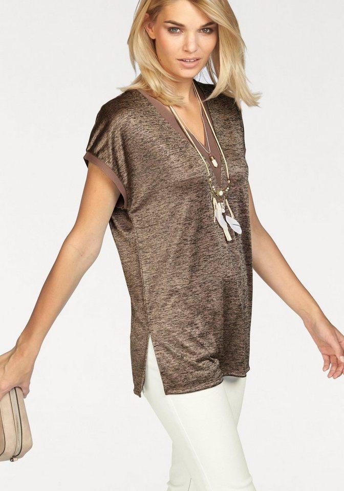 Laura Scott V-Shirt mit kontrastfarbenen Details in puder