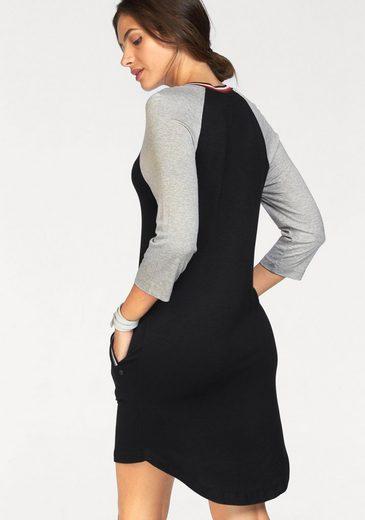 AJC Jerseykleid, mit kontrastfarbenem Ausschnitt und Tascheneingriff