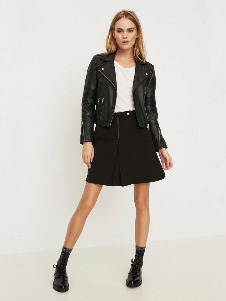 Vero Moda Kurzer Rock in Black