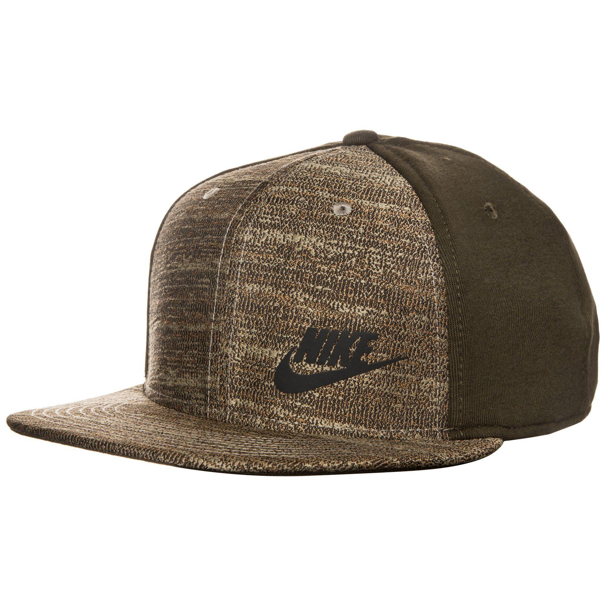 Nike Sportswear Tech True Snapback Cap