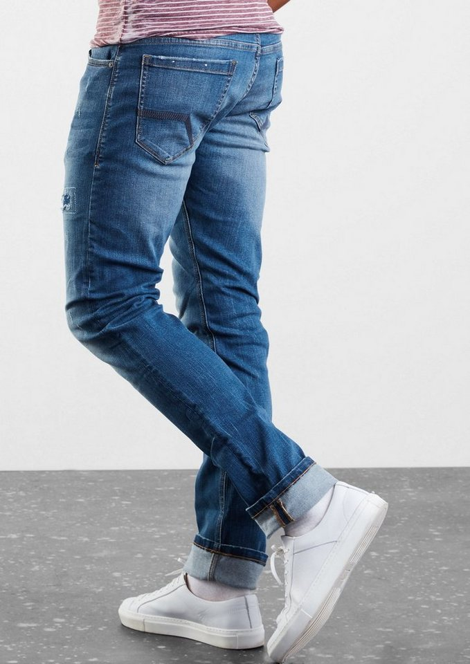 Q/S designed by Rick Slim: Jeans mit Destroyes in denim