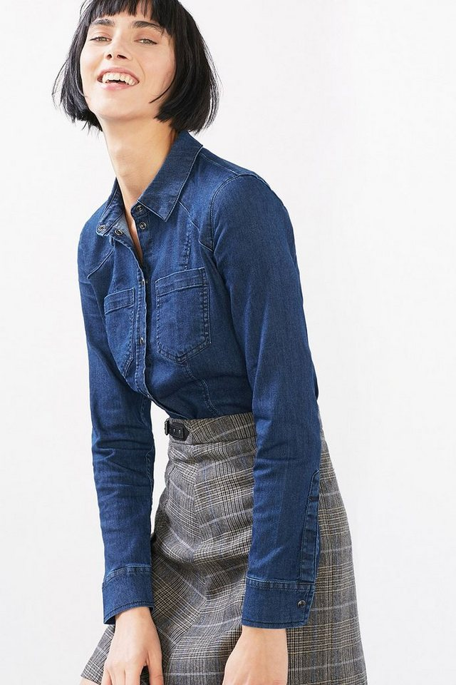 EDC Taillierte Bluse aus Stretch-Denim in BLUE DARK WASHED