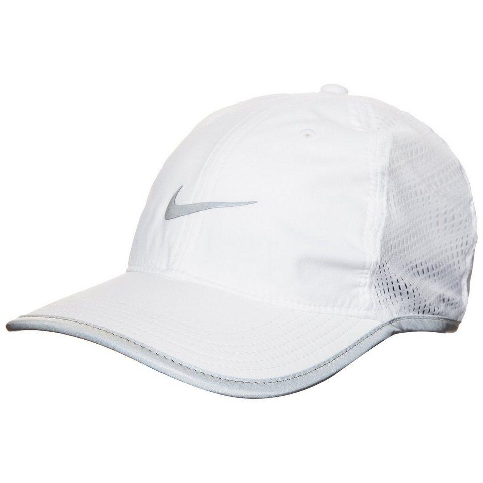 NIKE Run Knit Mesh Strapback Cap in weiß / silber