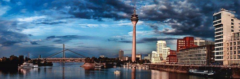 Artland Poster oder Leinwandbild »Städte Deutschland Düsseldorf Fotografie Blau« in Blau