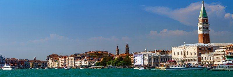 Artland Poster oder Leinwandbild »Städte Italien Venedig Fotografie Blau« in Blau