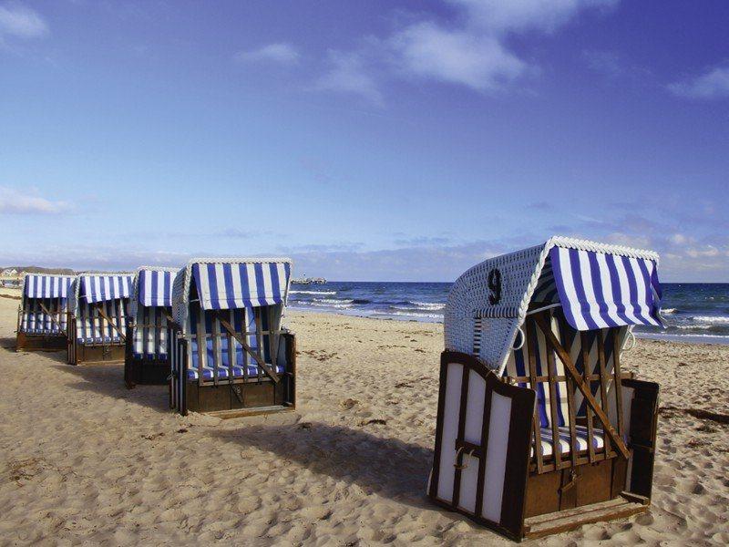 Artland Poster oder Leinwandbild »Landschaften Strand Fotografie Blau« in Blau