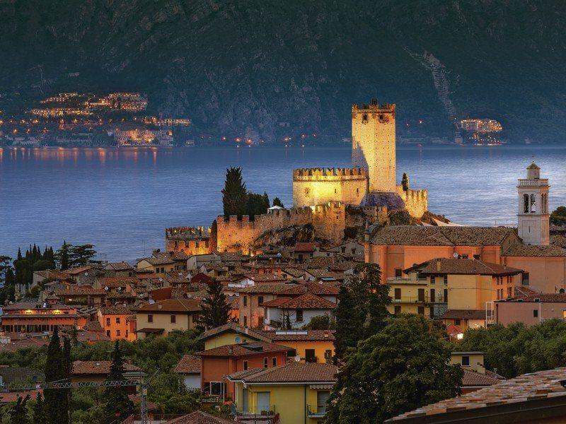 Artland Poster oder Leinwandbild »Landschaften Europa Italien Fotografie Orange« in Orange
