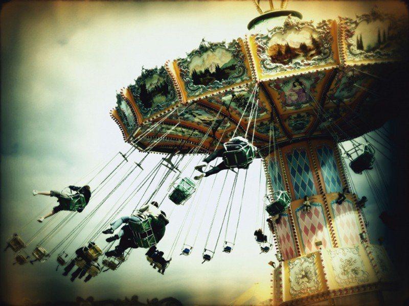 Artland Poster oder Leinwandbild »Feiertage & Feste Kirmes Fotografie Creme« in Creme