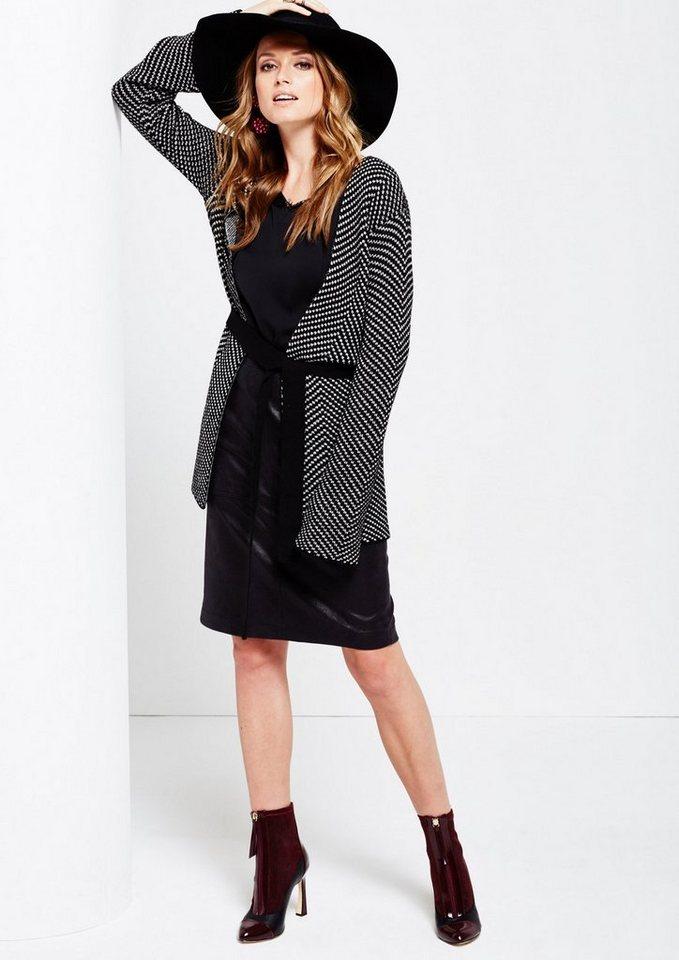 COMMA Kuschelige Strickjacke mit breitem Gürtel in black knit zickzack