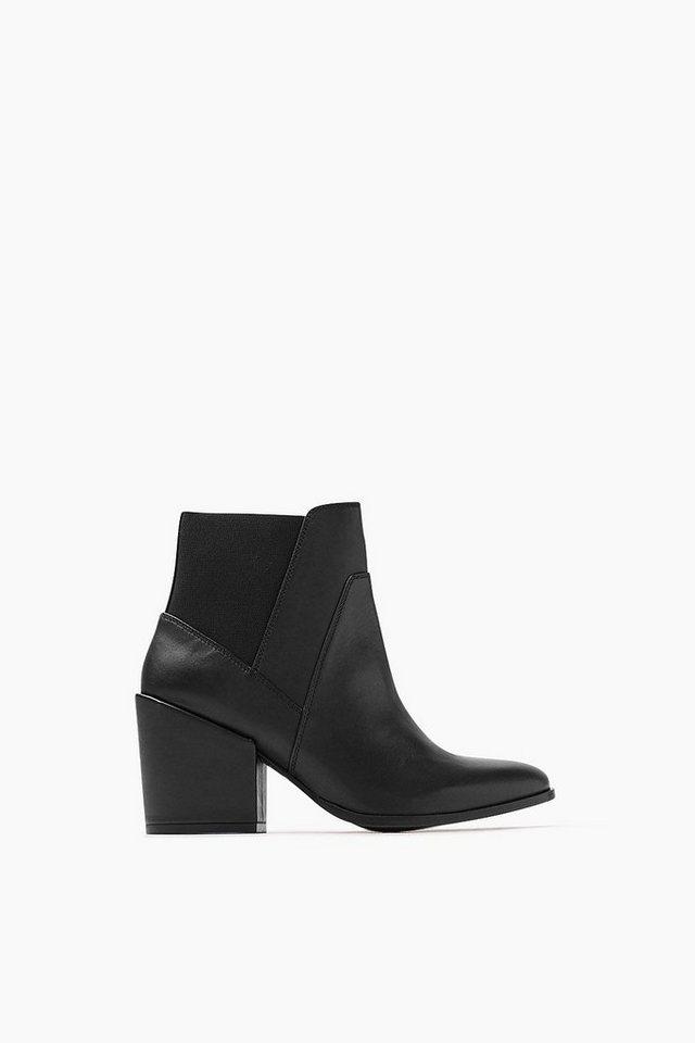 ESPRIT CASUAL Fashion Bootie mit Blockabsatz in BLACK