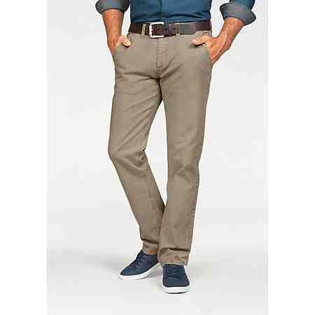 Von coolen Chinos bis praktischen Outdoorhosen: Hier finden Sie eine große Auswahl an Herren Hosen in großen Größen.