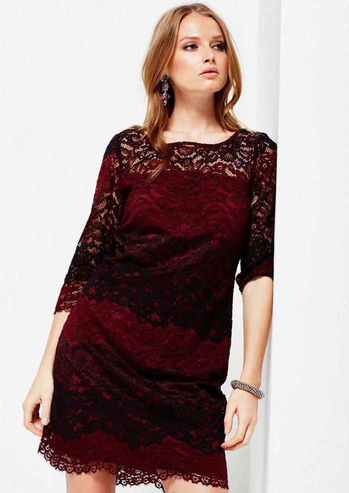 COMMA Feines Abendkleid aus hauchzarter Spitze in purple/pink AOP