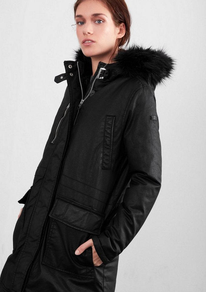 Q/S designed by Winterparka mit Fake Fur in black
