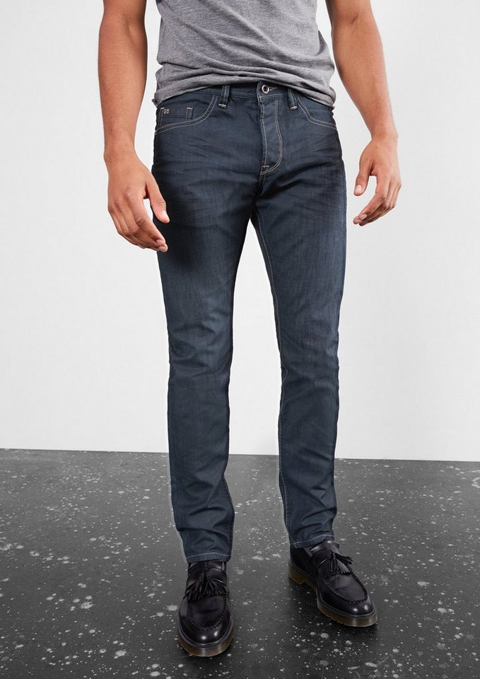 Q/S designed by Pete Straight: Dunkle Denim in denim