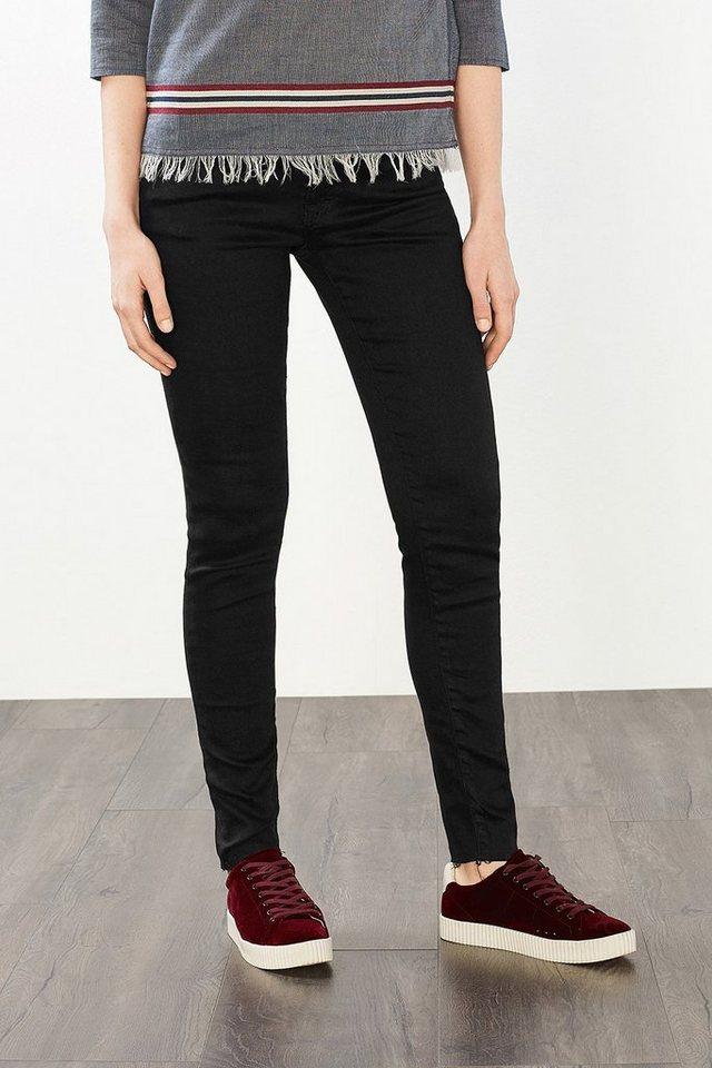 EDC Jeans mit offenen Beinsäumen in BLACK RINSE
