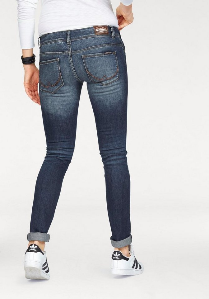 Superdry Skinny-fit-Jeans »CARA SKINNY« mit Destroyed Effekten in dark-blue